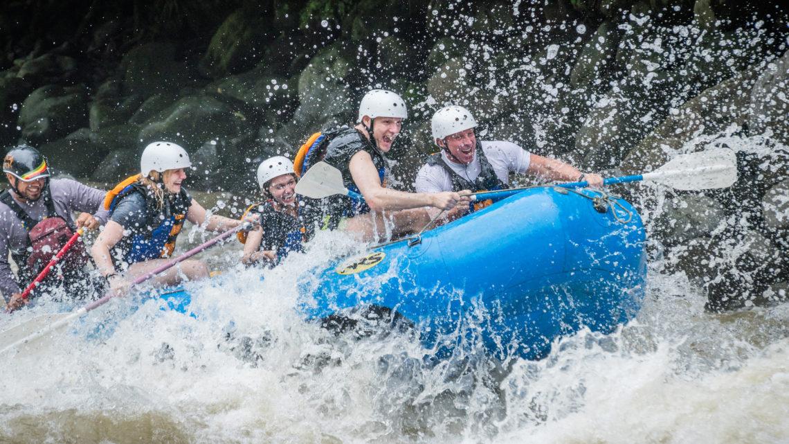 Costa Rica Urlaub Reisen River Rafting