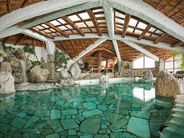 Naturbadesee Stanglwirt Nachhaltiger Luxus Ferien Entspannung Relax Tennis Felsenbad