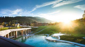 Naturbadesee Stanglwirt Nachhaltiger Luxus Ferien Entspannung Relax Tennis
