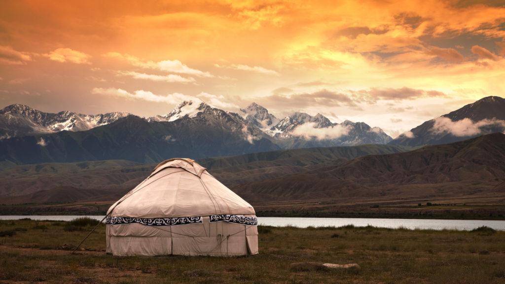 Mongolei Sonnenaufgang Ferienmessen Jurte