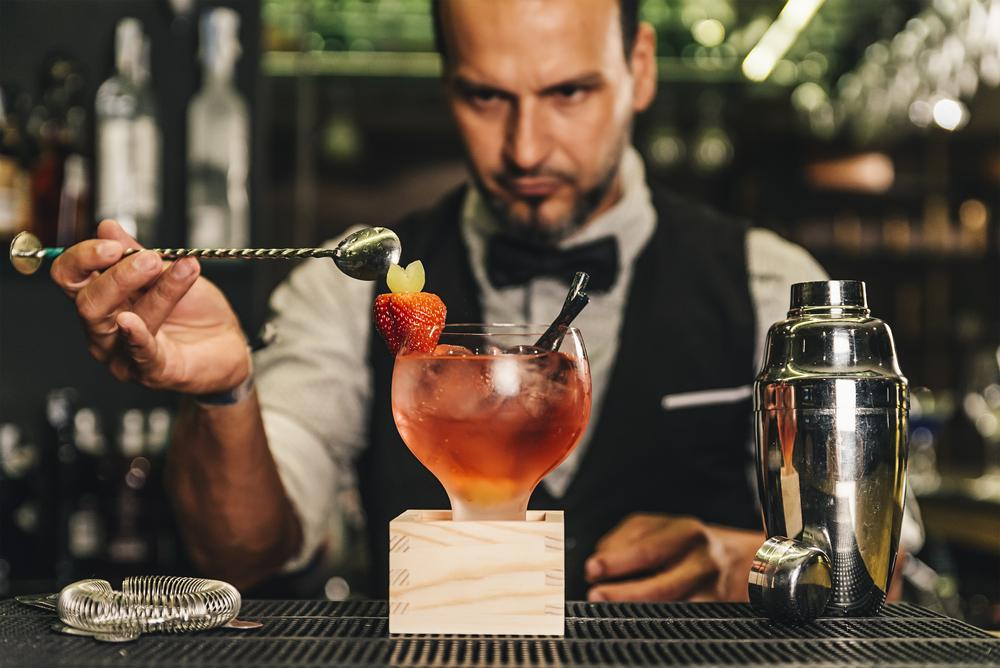 Vatertag Geschenke Cocktail Masterclass shutterstock