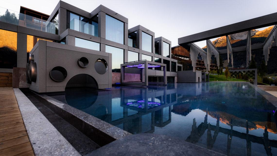 Neue Aussenpoolanlage im Mohr Life Resort