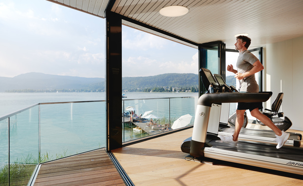 Vivamayr Altaussee Wellness Gesundheit Resort Fitness Laufband Mann