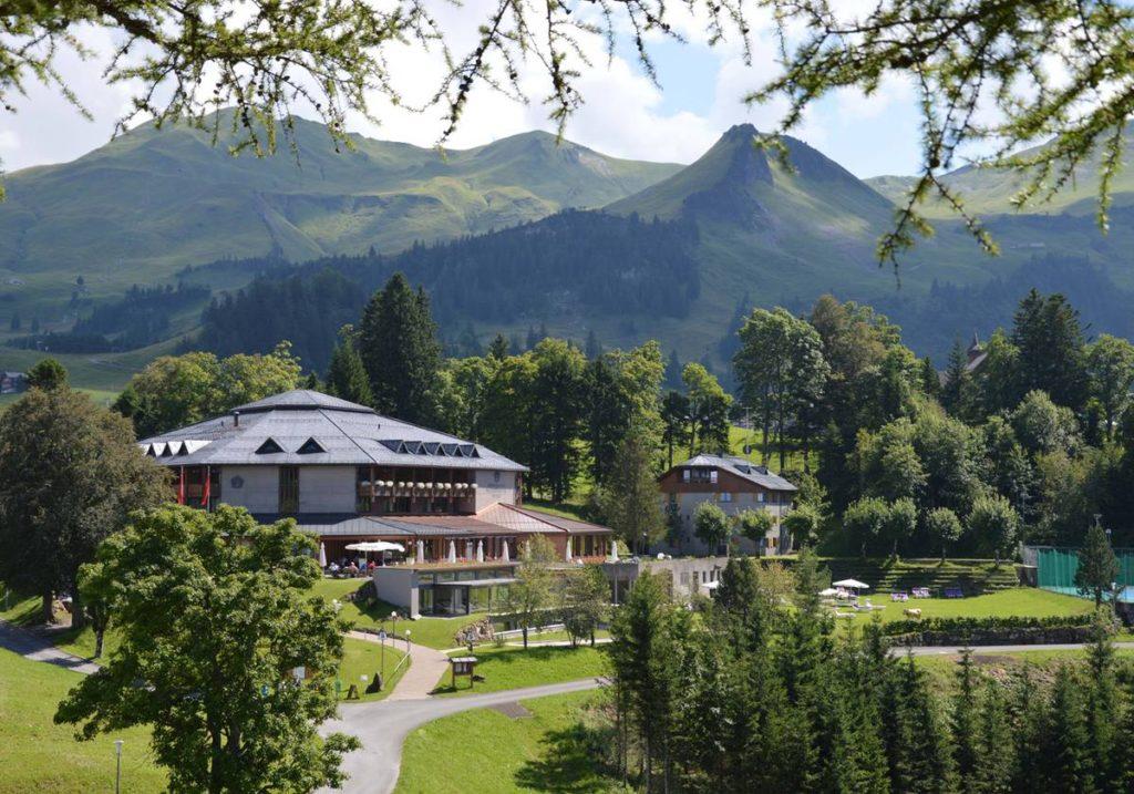 Hotel Stoos Sommer Aussenansicht