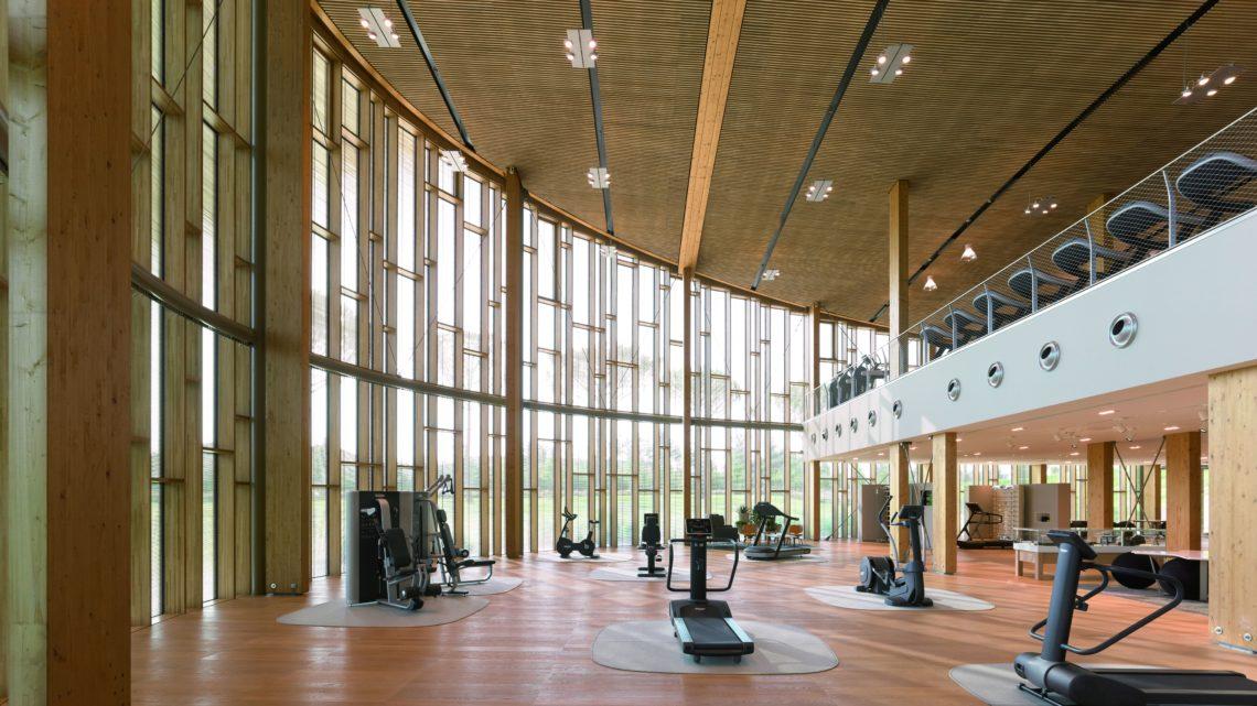 Technogym Village Fitness Raum innen worldofwellness