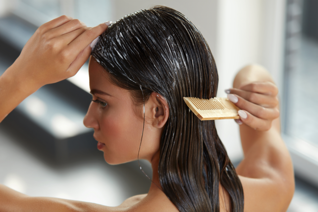 Tipps für gesunde, kräftige Haare 123RF Haarkur worldofwellness