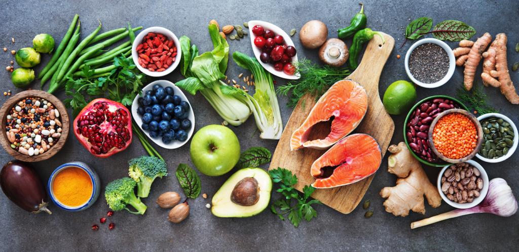 Tipps für gesunde, kräftige Haare 123RF Ernährung worldofwellness