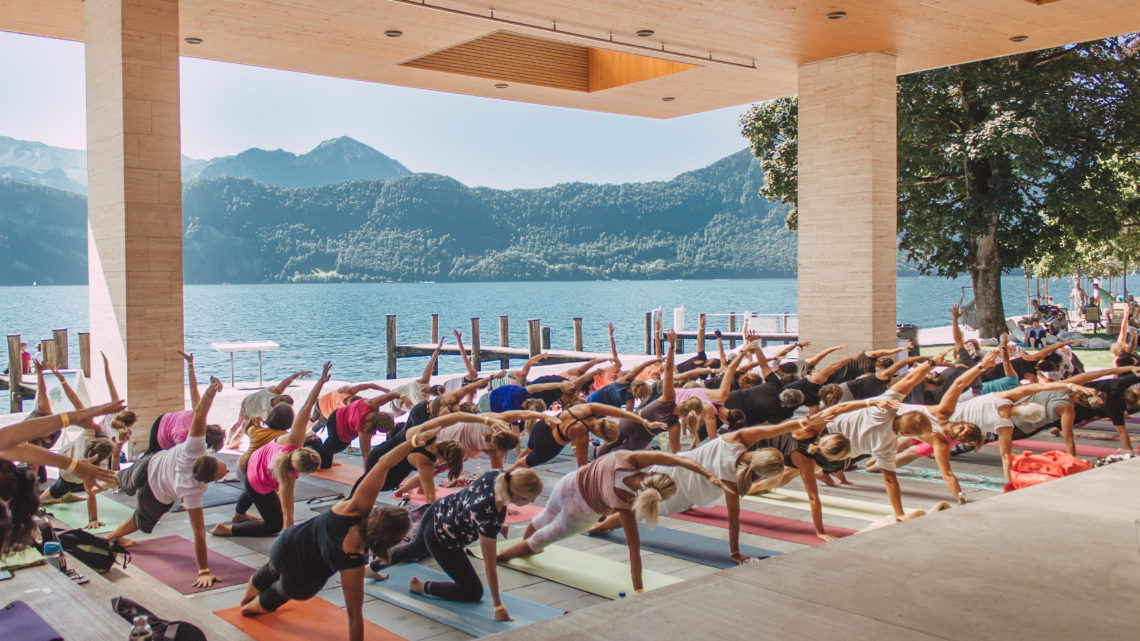 Yoga meets Weggis Vitznau Visual Luzern Tourismus worldofwellness