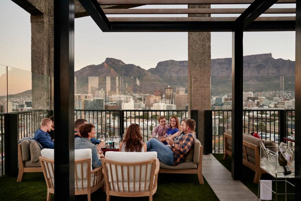 Luxus Rooftop-Bars weltweit The Silo Hotel Kapstadt Mark Williams worldofwellness