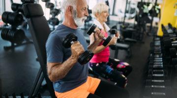 Fitness Muskeln im Alter Männer Frauen Sport 123RF worldofwellness